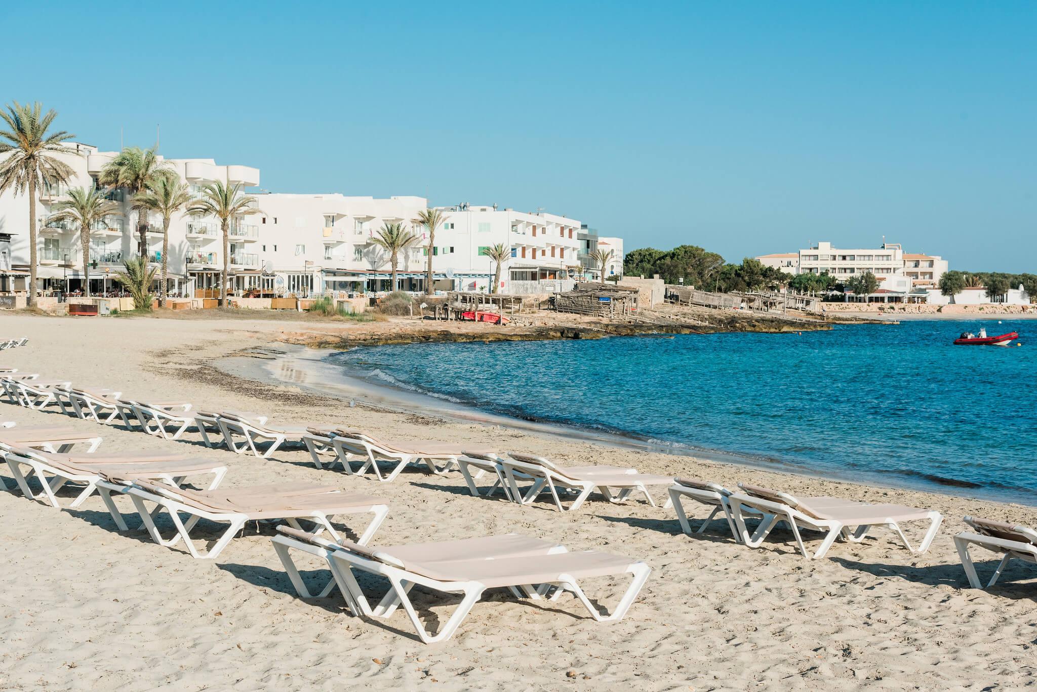 https://www.white-ibiza.com/wp-content/uploads/2020/03/formentera-beaches-es-pujols-2020-04.jpg