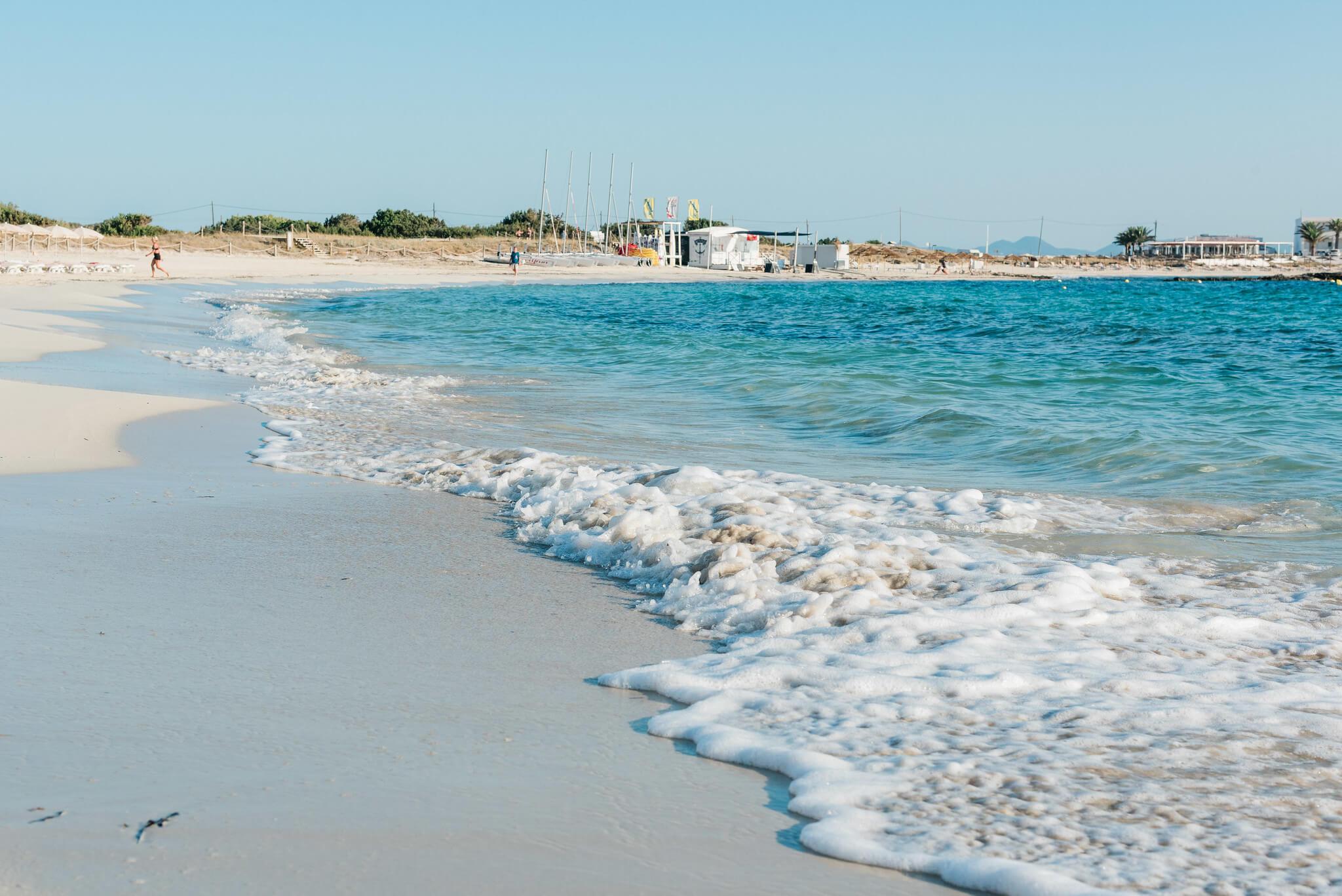 https://www.white-ibiza.com/wp-content/uploads/2020/03/formentera-beaches-es-pujols-2020-07.jpg