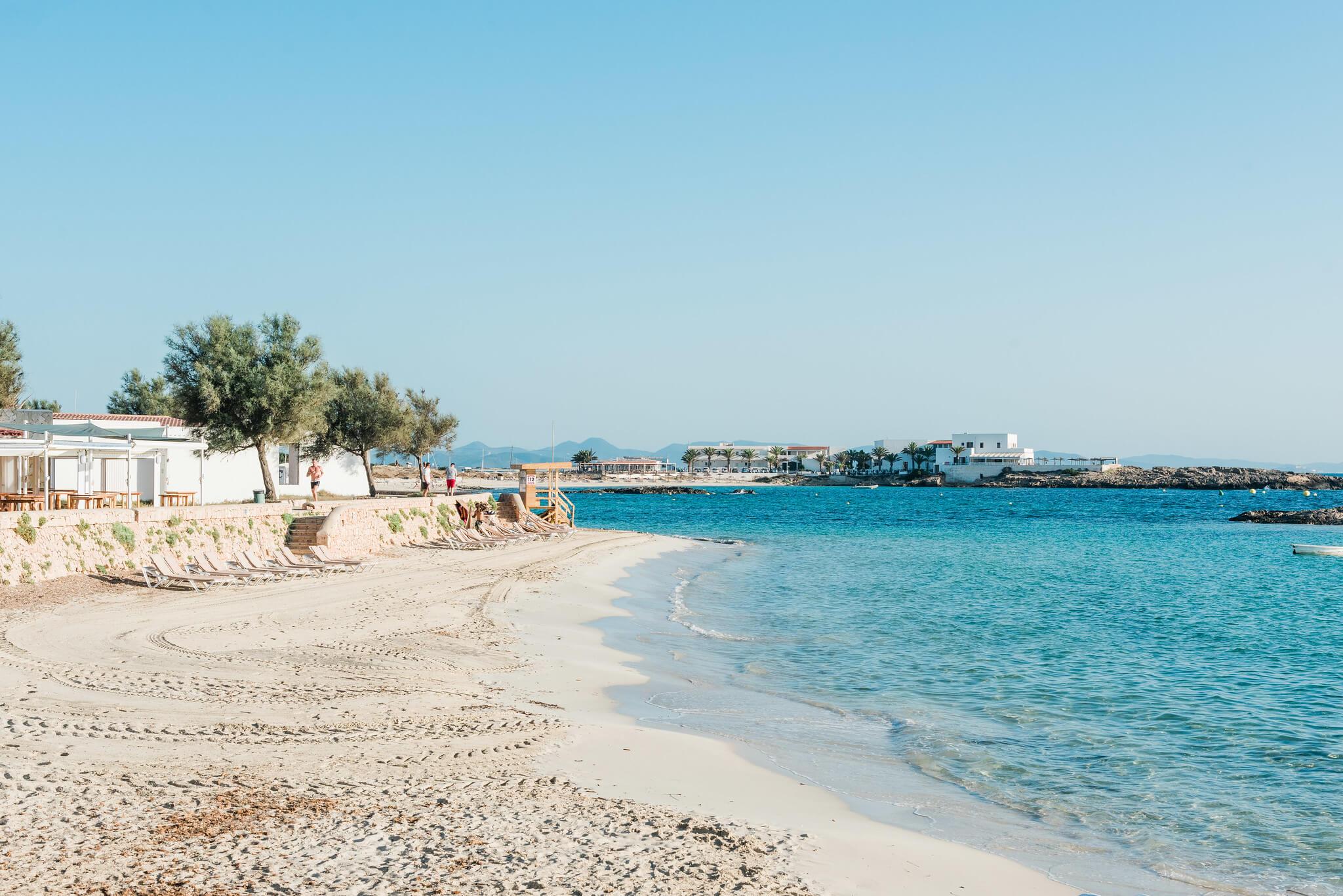 https://www.white-ibiza.com/wp-content/uploads/2020/03/formentera-beaches-es-pujols-2020-09.jpg