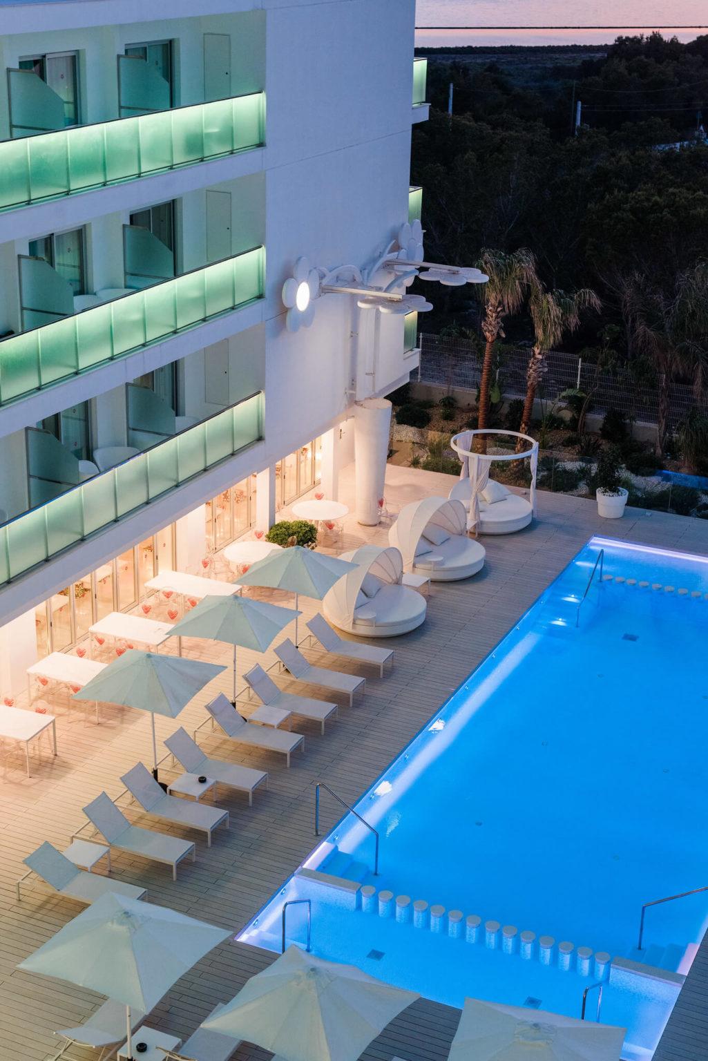 https://www.white-ibiza.com/wp-content/uploads/2020/03/formentera-hotels-five-flowers-2020-06-1025x1536.jpg