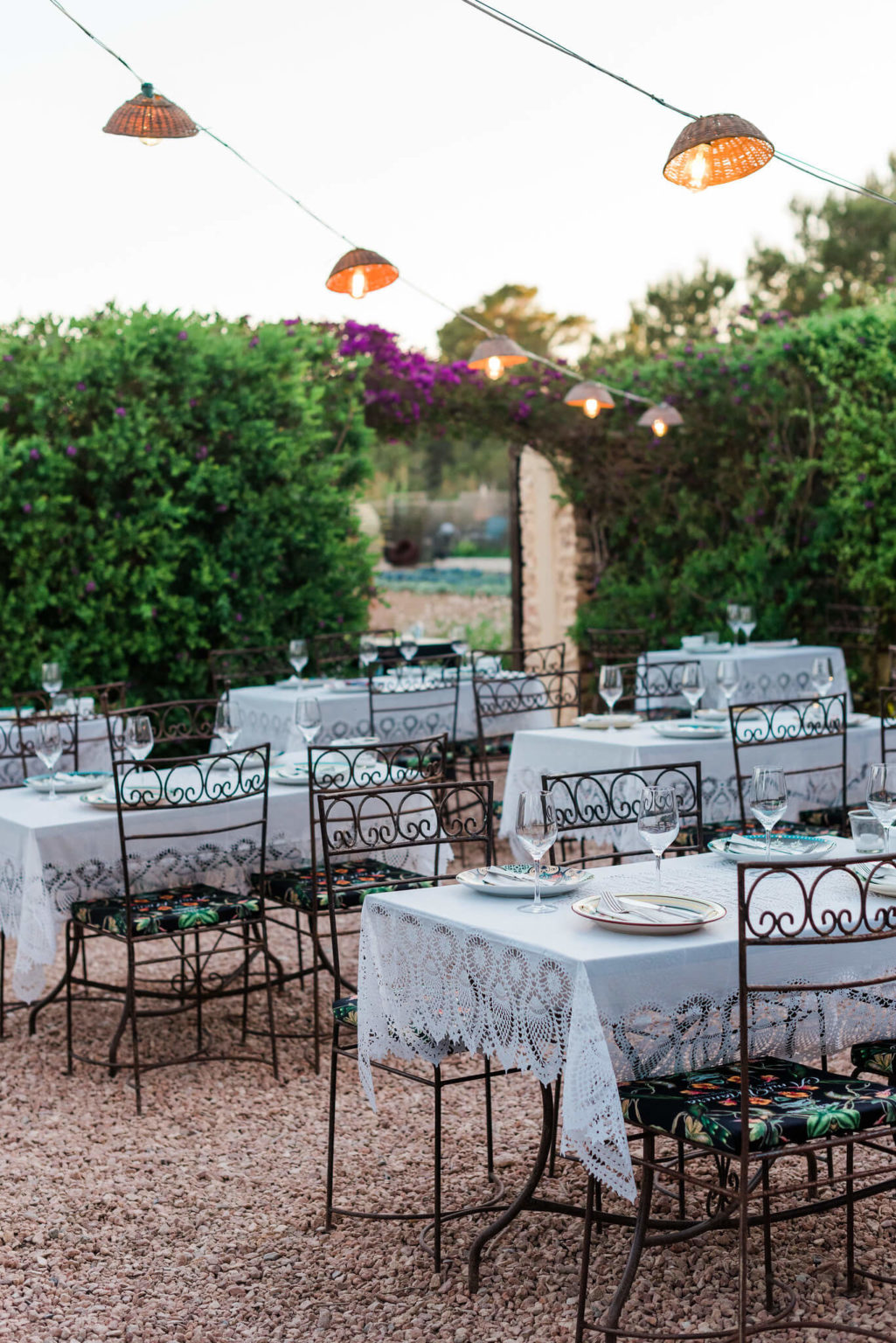 https://www.white-ibiza.com/wp-content/uploads/2020/03/formentera-restaurants-a-mi-manera-2020-03-1025x1536.jpg
