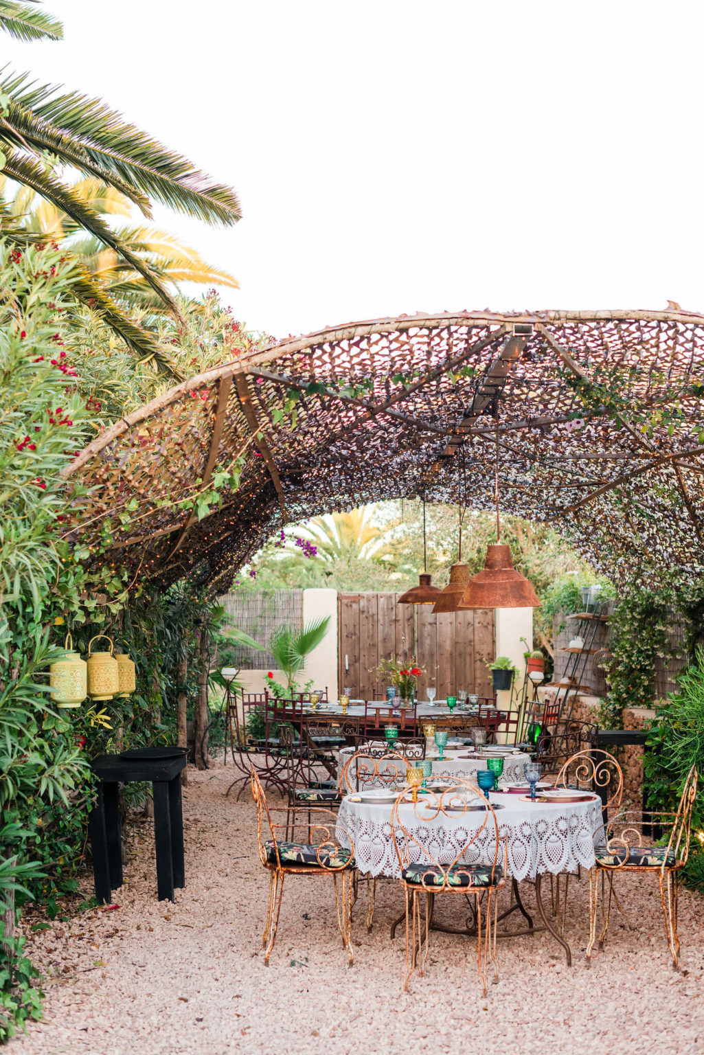 https://www.white-ibiza.com/wp-content/uploads/2020/03/formentera-restaurants-a-mi-manera-2020-06-1025x1536.jpg