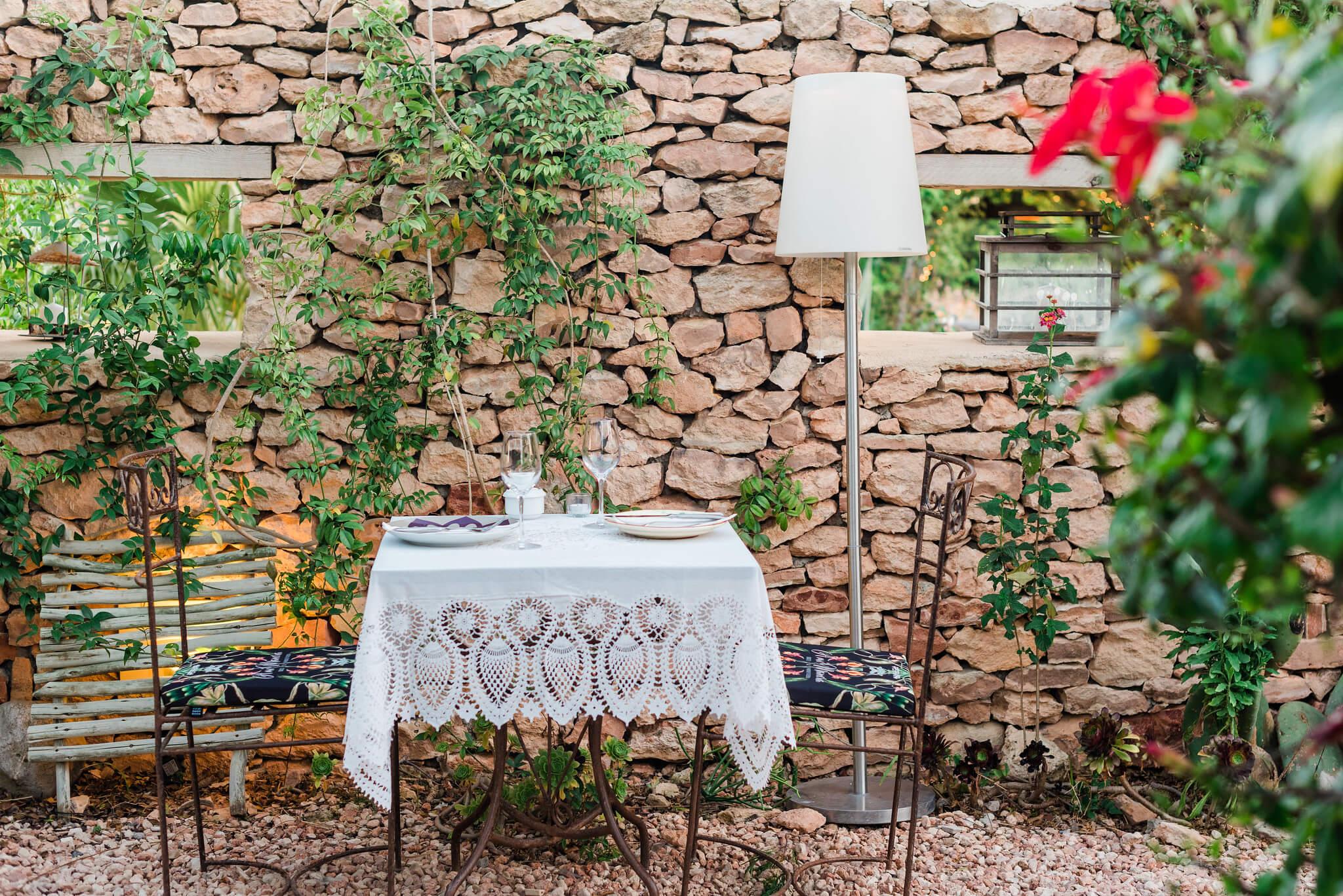 https://www.white-ibiza.com/wp-content/uploads/2020/03/formentera-restaurants-a-mi-manera-2020-10.jpg