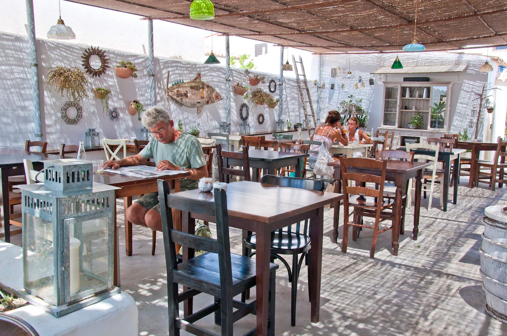 https://www.white-ibiza.com/wp-content/uploads/2020/03/formentera-restaurants-ca-na-pepa-2020-02.jpg