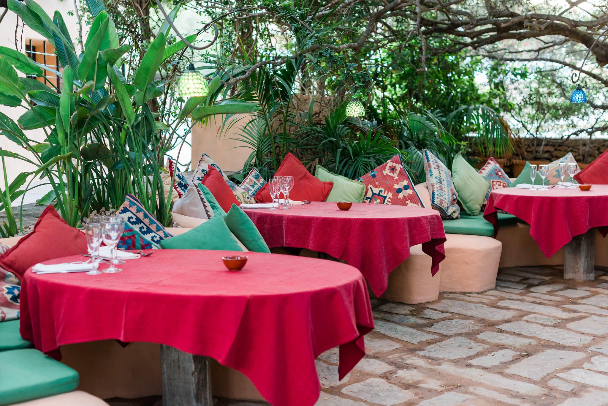 https://www.white-ibiza.com/wp-content/uploads/2020/03/formentera-restaurants-can-carlos-2020-06.jpg