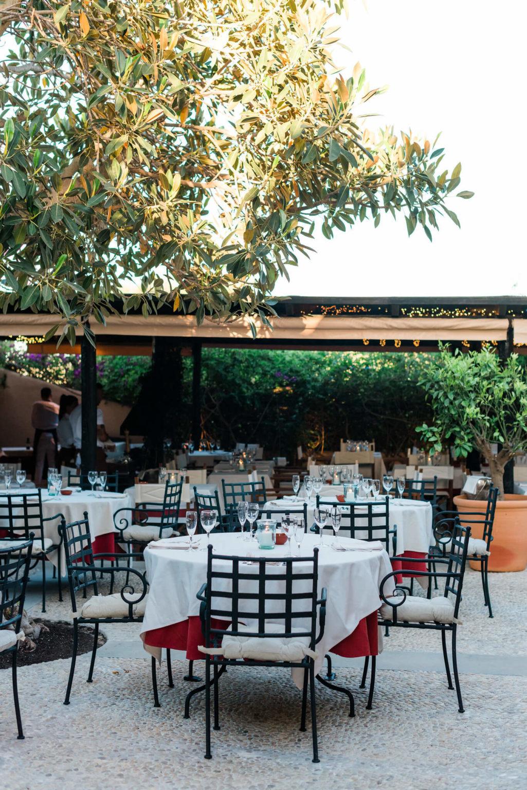 https://www.white-ibiza.com/wp-content/uploads/2020/03/formentera-restaurants-can-carlos-2020-08-1025x1536.jpg