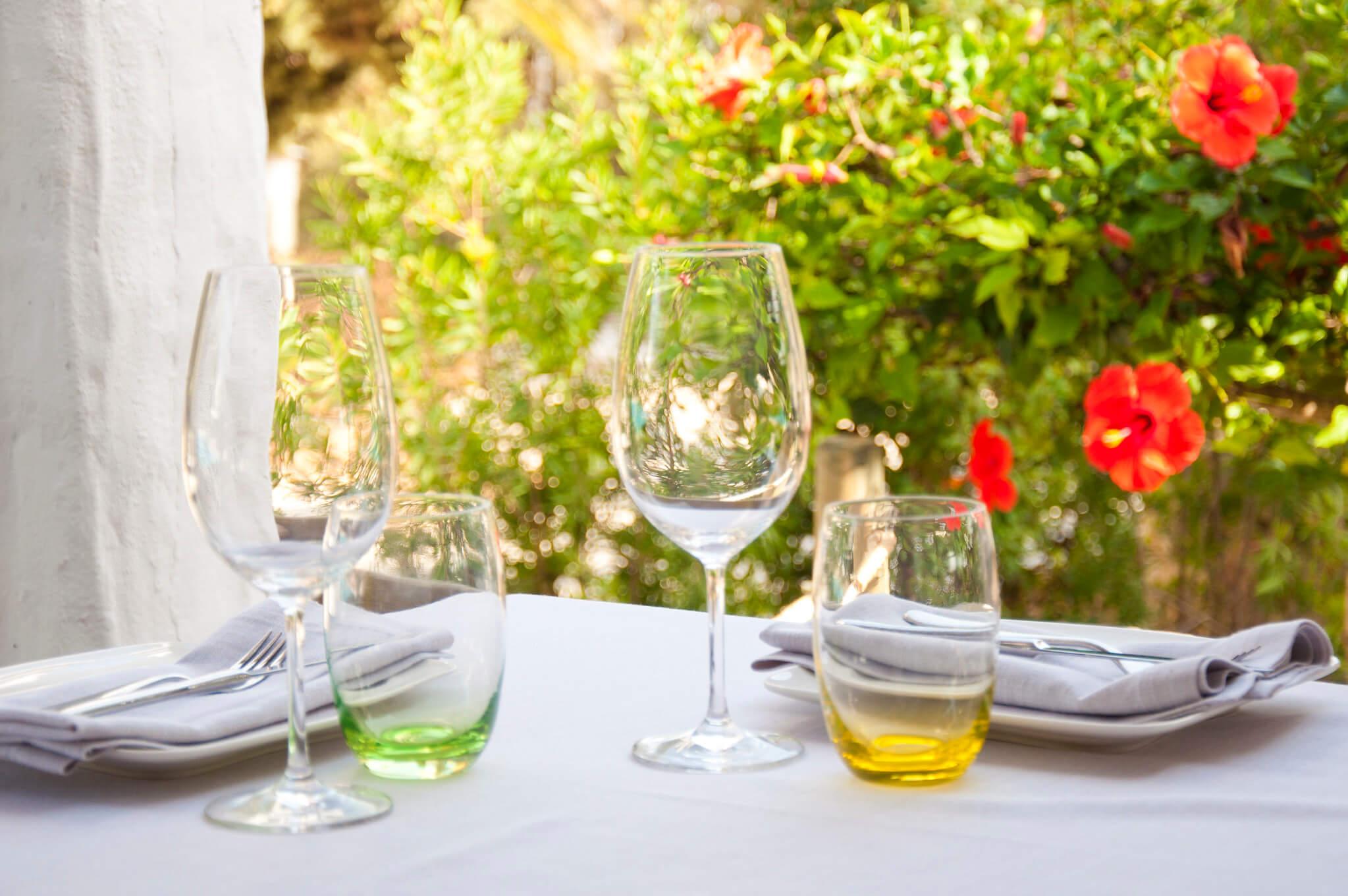 https://www.white-ibiza.com/wp-content/uploads/2020/03/formentera-restaurants-marlaca-2020-02.jpg