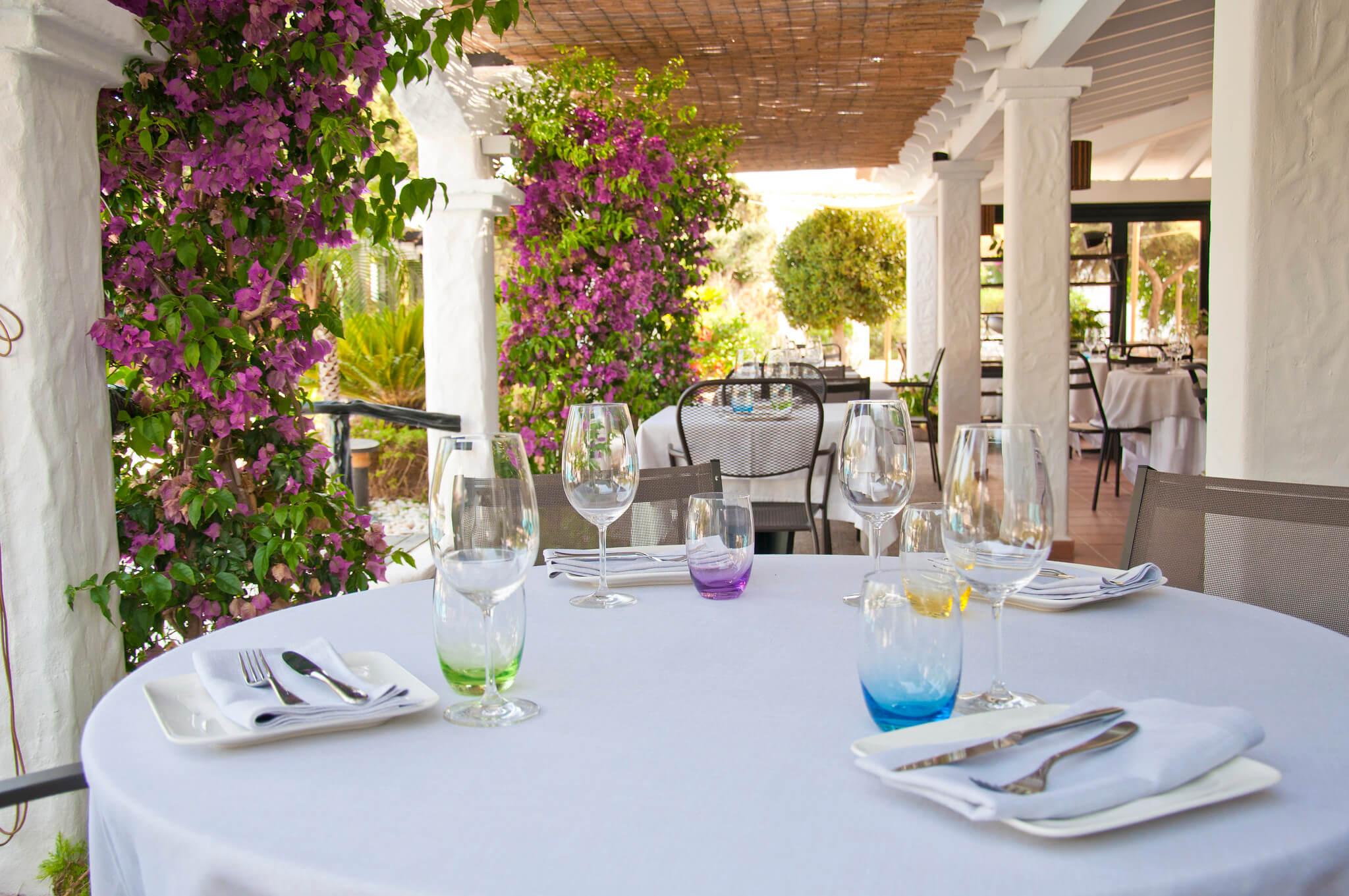 https://www.white-ibiza.com/wp-content/uploads/2020/03/formentera-restaurants-marlaca-2020-03.jpg