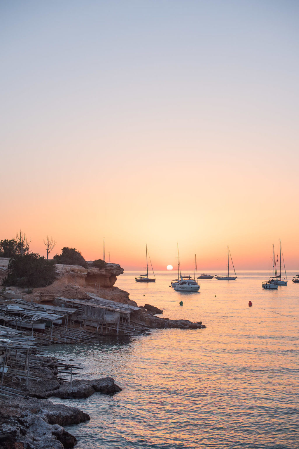 https://www.white-ibiza.com/wp-content/uploads/2020/03/formentera-sunsets-2020-10-1025x1536.jpg