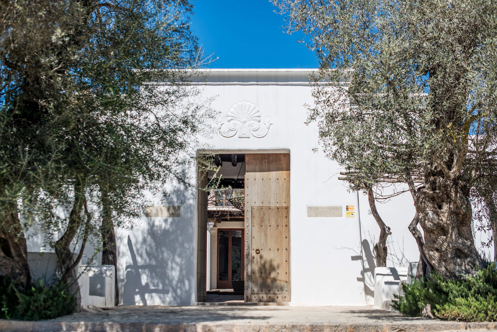 https://www.white-ibiza.com/wp-content/uploads/2020/03/ibiza-architects-blakstad-design-consultants-2020-01.jpg