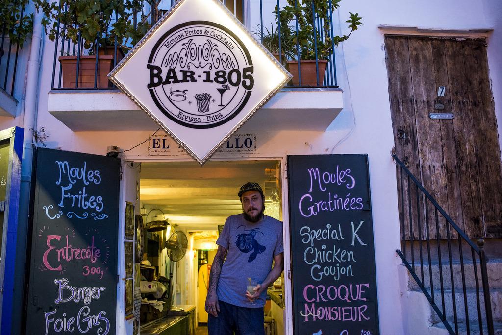 Bar 1805