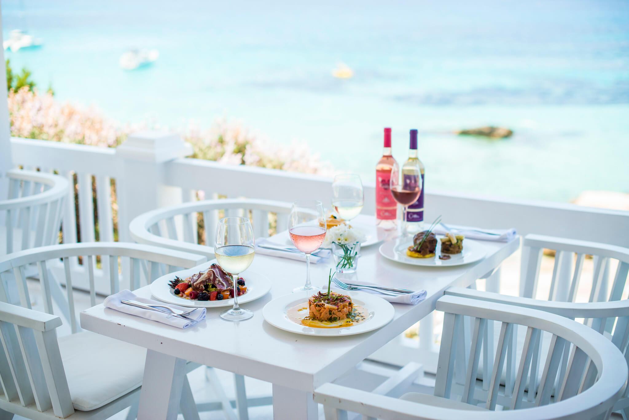 https://www.white-ibiza.com/wp-content/uploads/2020/03/ibiza-beach-restaurant-cotton-beach-club-2020-01.jpg