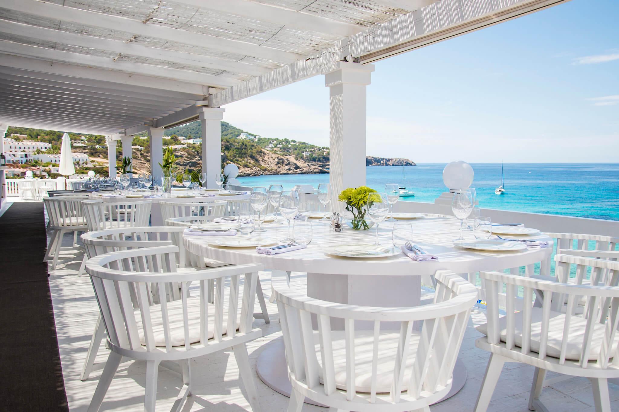 https://www.white-ibiza.com/wp-content/uploads/2020/03/ibiza-beach-restaurant-cotton-beach-club-2020-05.jpg