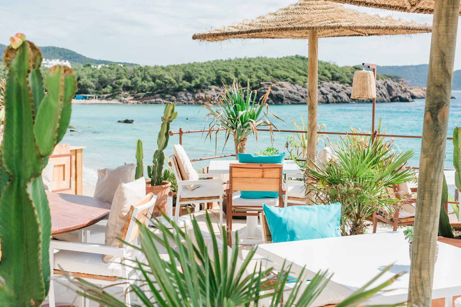 https://www.white-ibiza.com/wp-content/uploads/2020/03/ibiza-beach-restaurants-atzaro-beach-2019-01.jpg