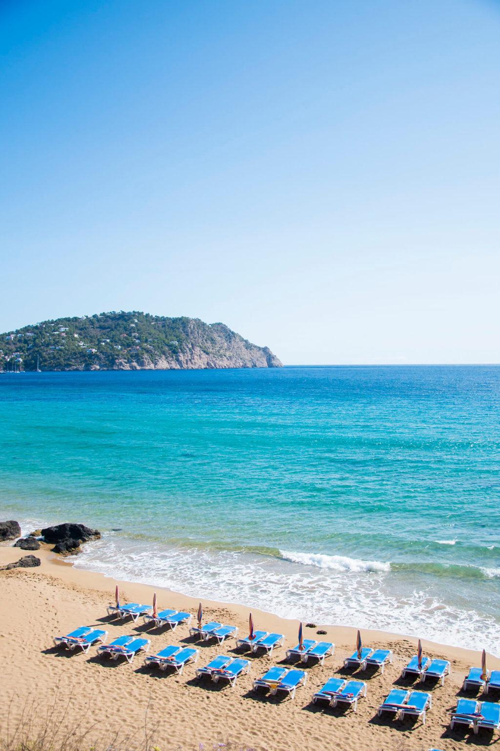 https://www.white-ibiza.com/wp-content/uploads/2020/03/ibiza-beaches-aguas-blancas-03-1024x1536.jpg