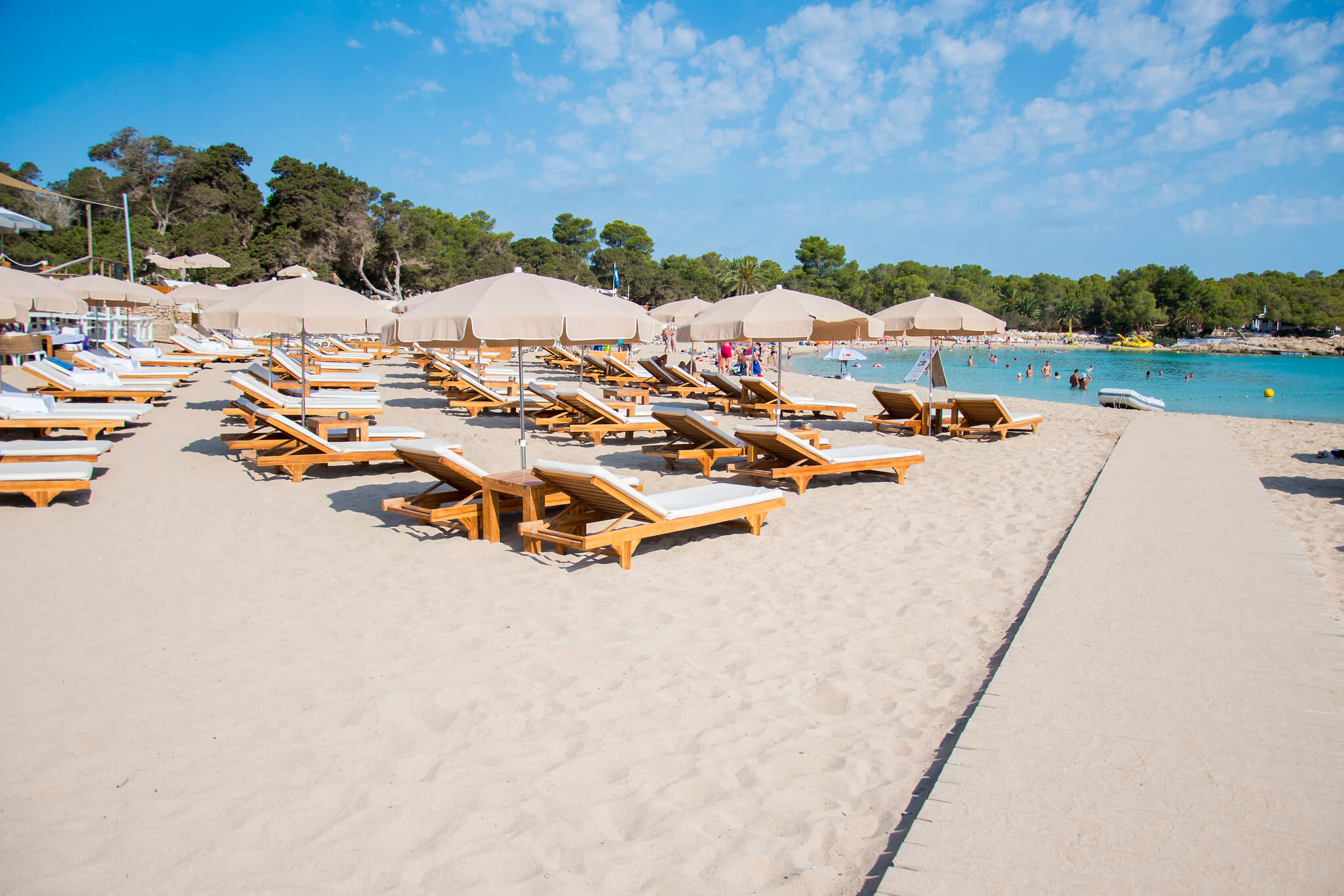 https://www.white-ibiza.com/wp-content/uploads/2020/03/ibiza-beaches-cala-bassa-05.jpg
