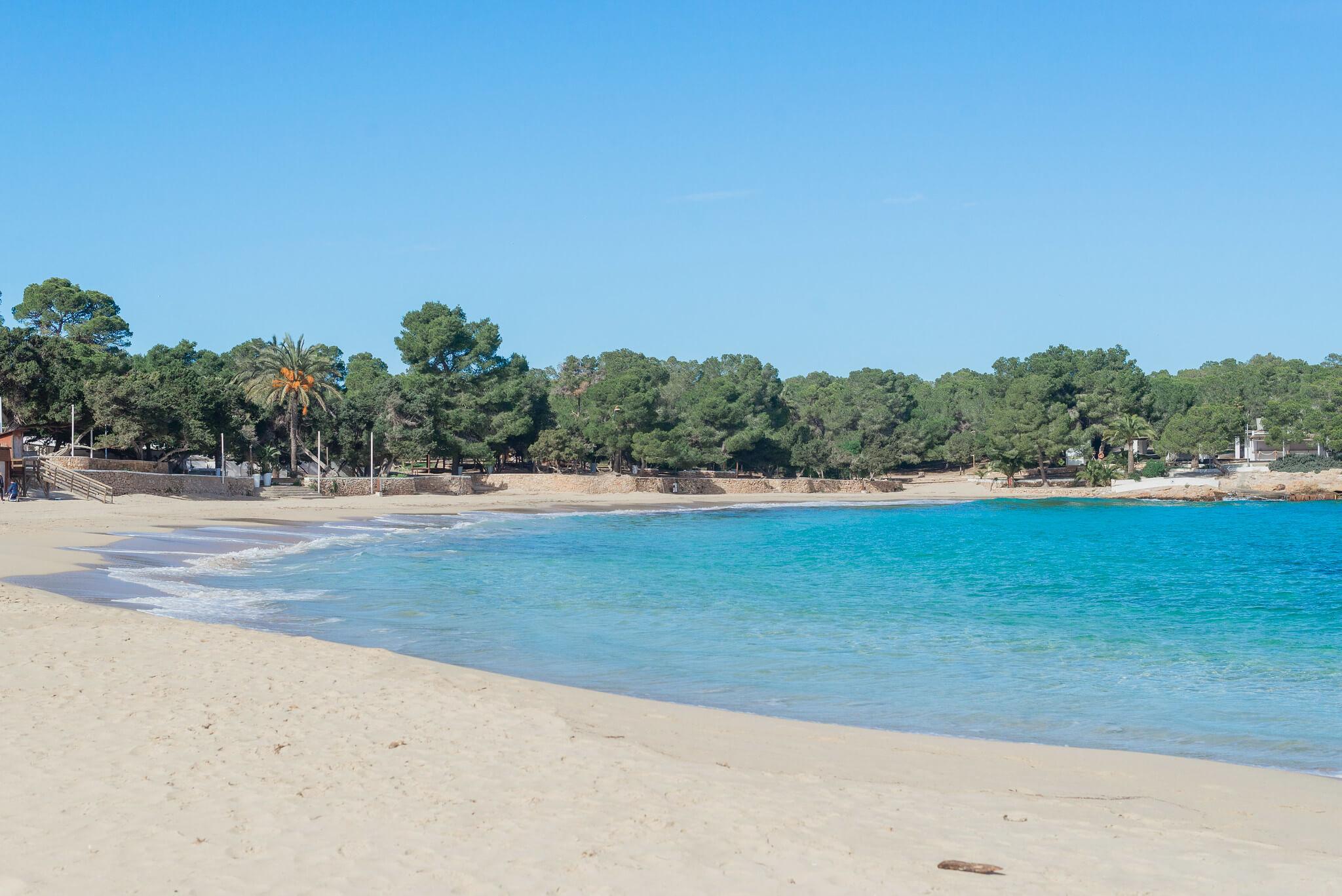 https://www.white-ibiza.com/wp-content/uploads/2020/03/ibiza-beaches-cala-bassa-06.jpg
