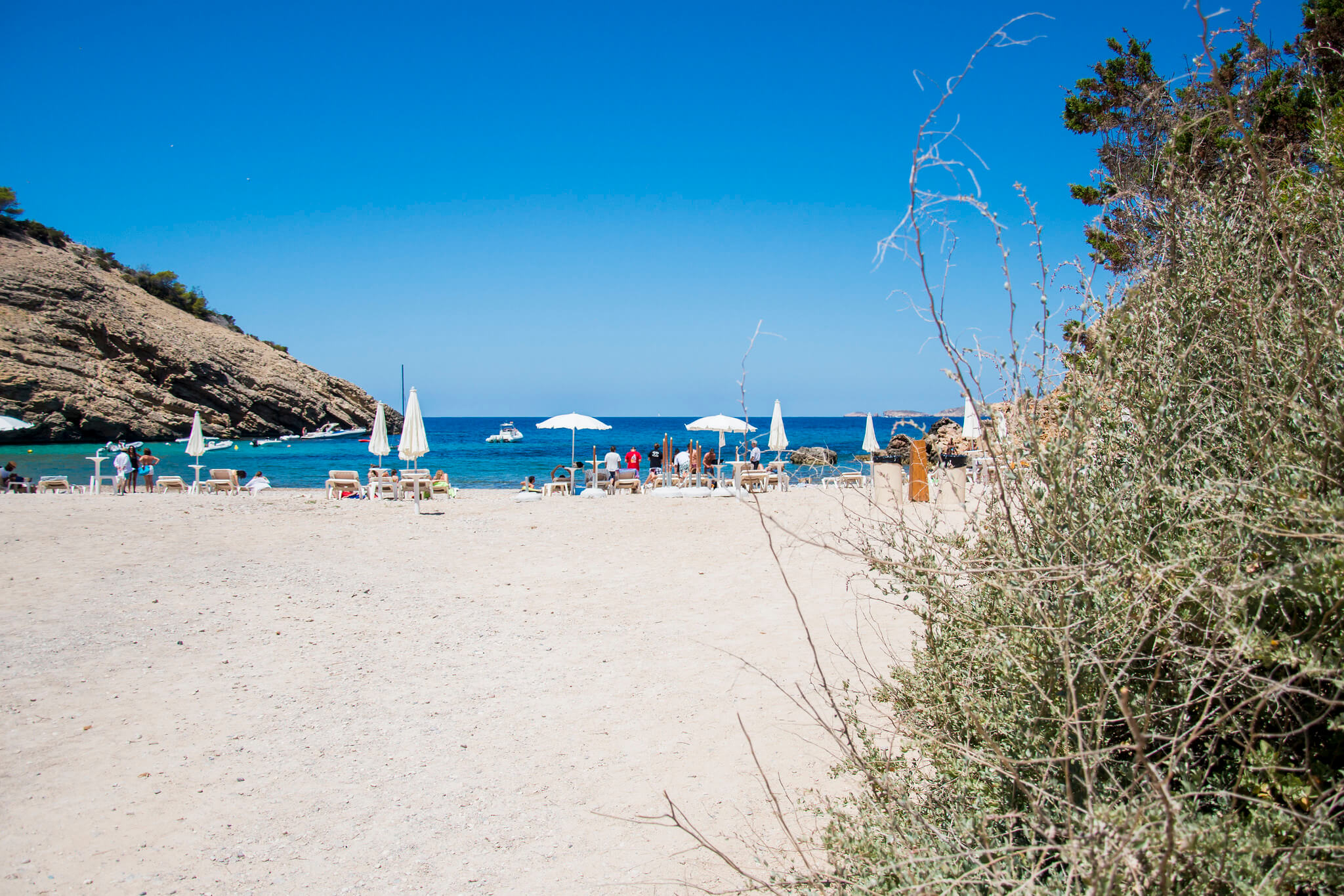 https://www.white-ibiza.com/wp-content/uploads/2020/03/ibiza-beaches-cala-moli-02.jpg