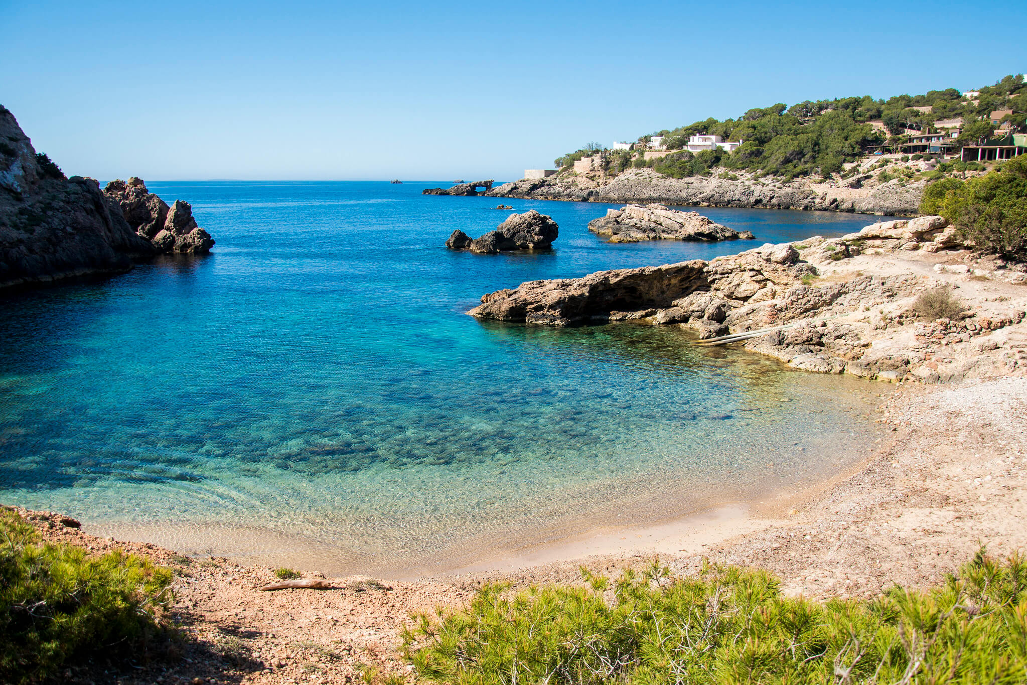 https://www.white-ibiza.com/wp-content/uploads/2020/03/ibiza-beaches-cala-olivera-01.jpg