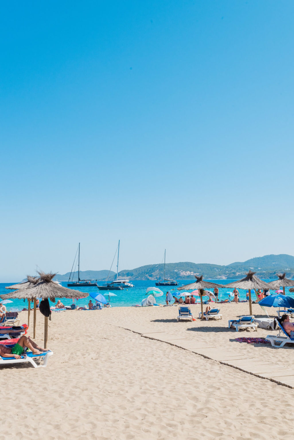 https://www.white-ibiza.com/wp-content/uploads/2020/03/ibiza-beaches-cala-san-vicente-03-1025x1536.jpg