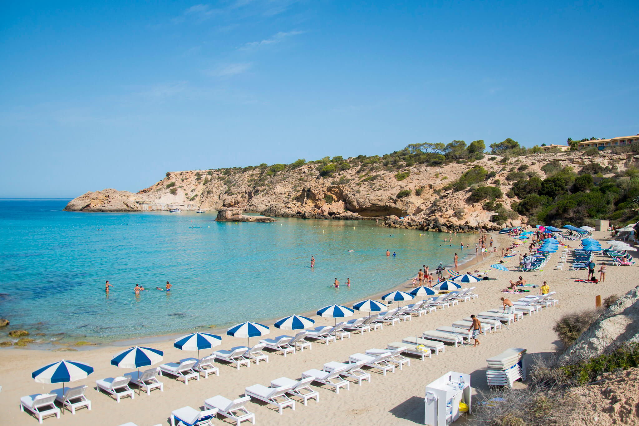 https://www.white-ibiza.com/wp-content/uploads/2020/03/ibiza-beaches-cala-tarida-02.jpg