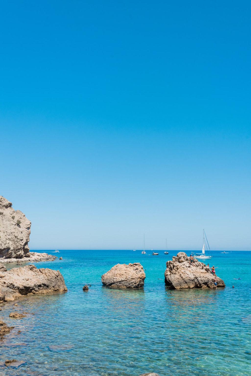 https://www.white-ibiza.com/wp-content/uploads/2020/03/ibiza-beaches-cala-xaracca-05-1025x1536.jpg