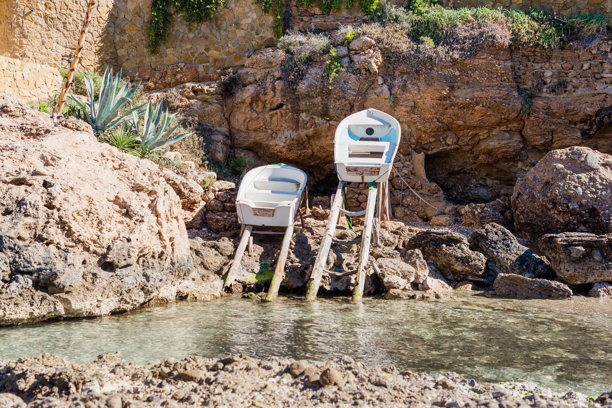 https://www.white-ibiza.com/wp-content/uploads/2020/03/ibiza-beaches-cala-xaracca-06.jpg