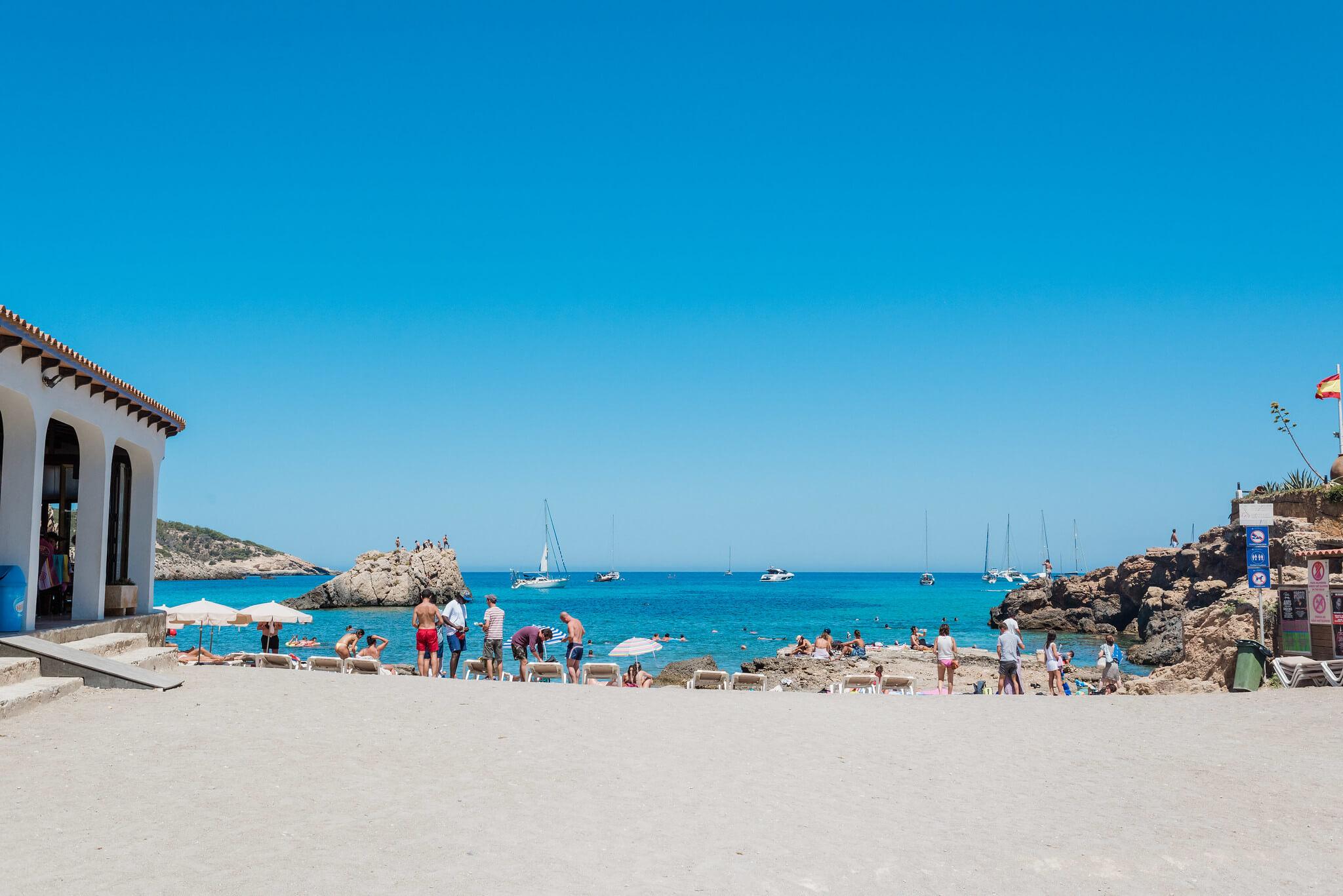 https://www.white-ibiza.com/wp-content/uploads/2020/03/ibiza-beaches-cala-xaracca-08.jpg