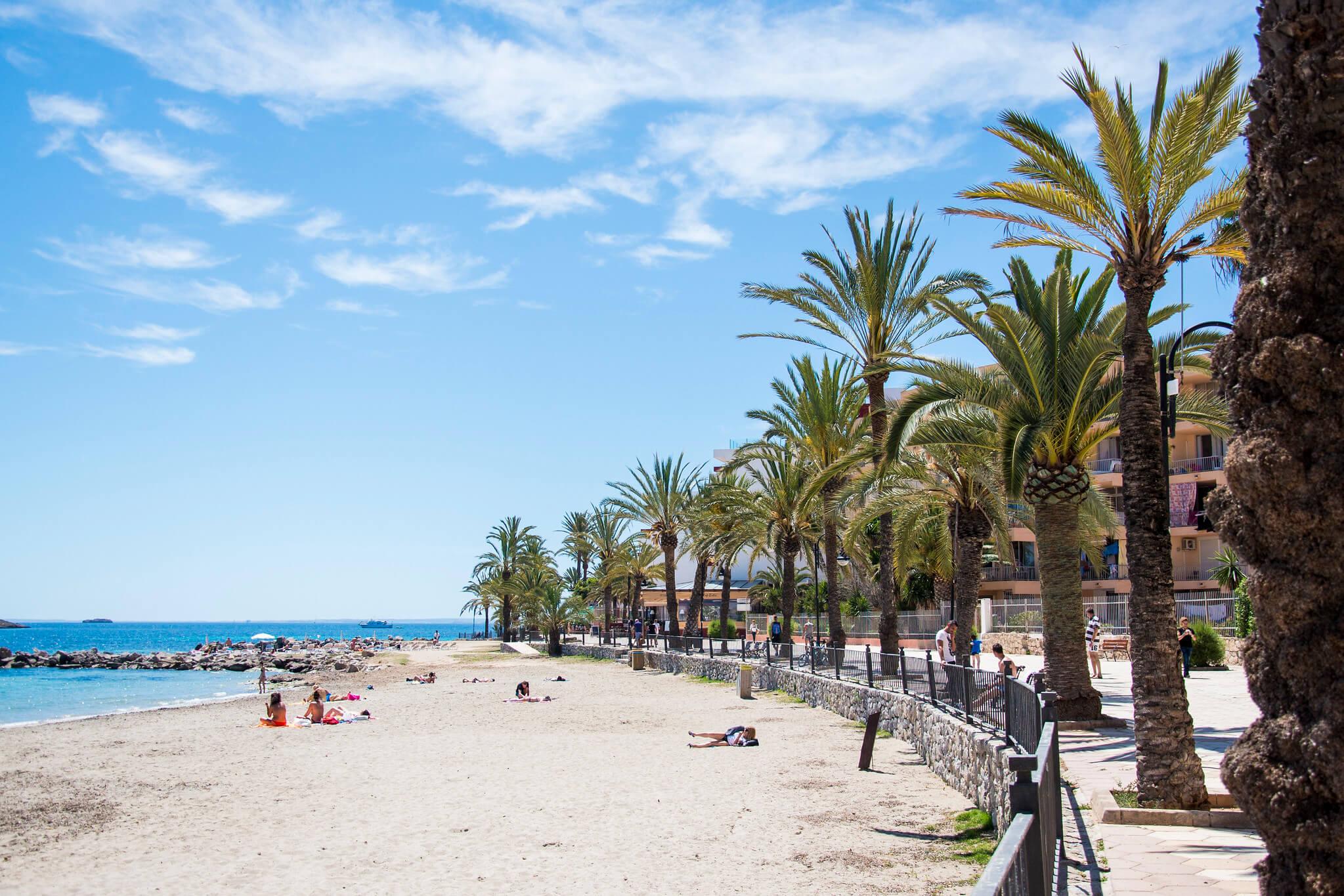 https://www.white-ibiza.com/wp-content/uploads/2020/03/ibiza-beaches-figueretas-01.jpg