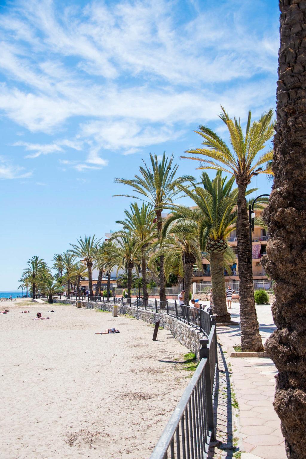 https://www.white-ibiza.com/wp-content/uploads/2020/03/ibiza-beaches-figueretas-05-1024x1536.jpg