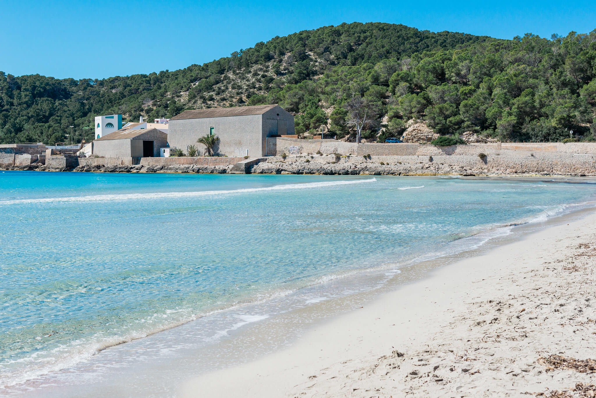 https://www.white-ibiza.com/wp-content/uploads/2020/03/ibiza-beaches-las-salinas-03.jpg