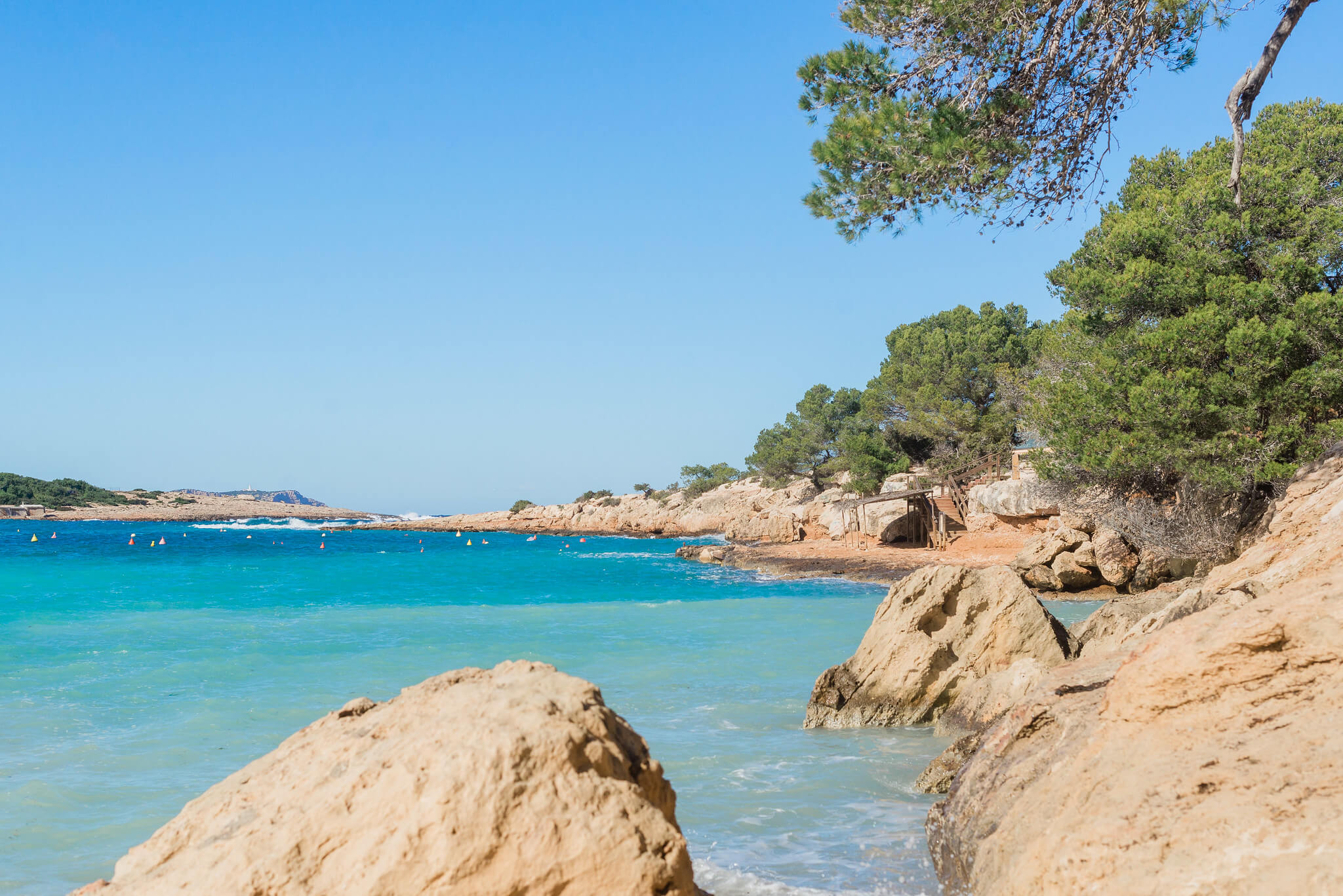 https://www.white-ibiza.com/wp-content/uploads/2020/03/ibiza-beaches-port-des-torrent-02.jpg