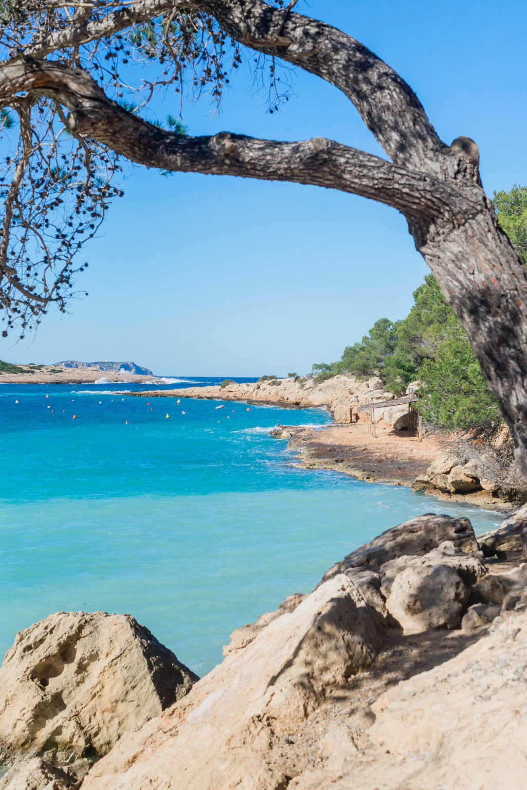https://www.white-ibiza.com/wp-content/uploads/2020/03/ibiza-beaches-port-des-torrent-05-1025x1536.jpg