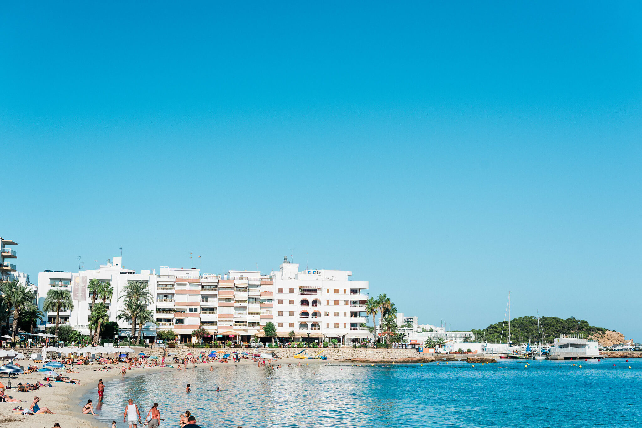https://www.white-ibiza.com/wp-content/uploads/2020/03/ibiza-beaches-santa-eulalia-02.jpg