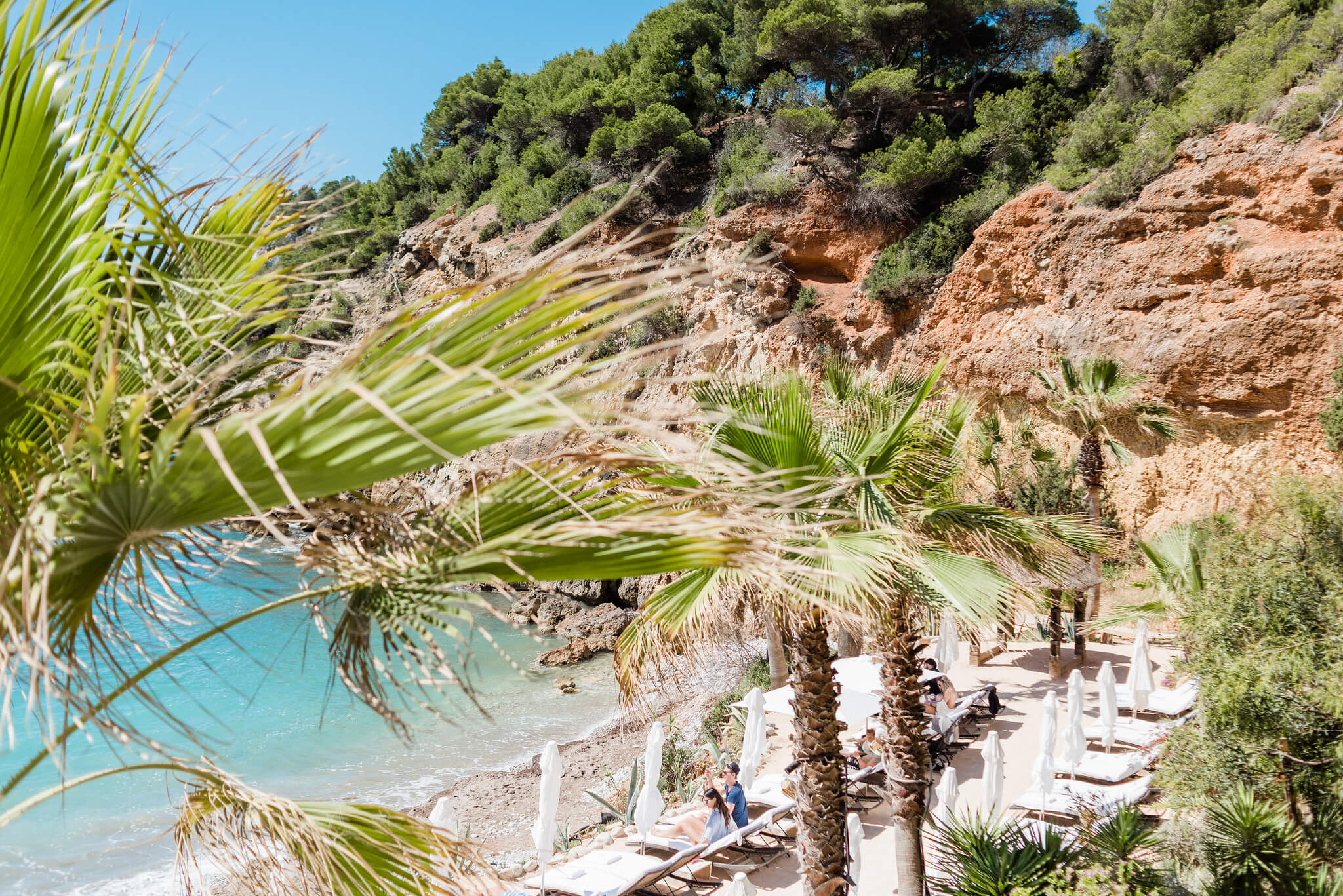 https://www.white-ibiza.com/wp-content/uploads/2020/03/ibiza-beaches-sol-den-serra-03.jpg