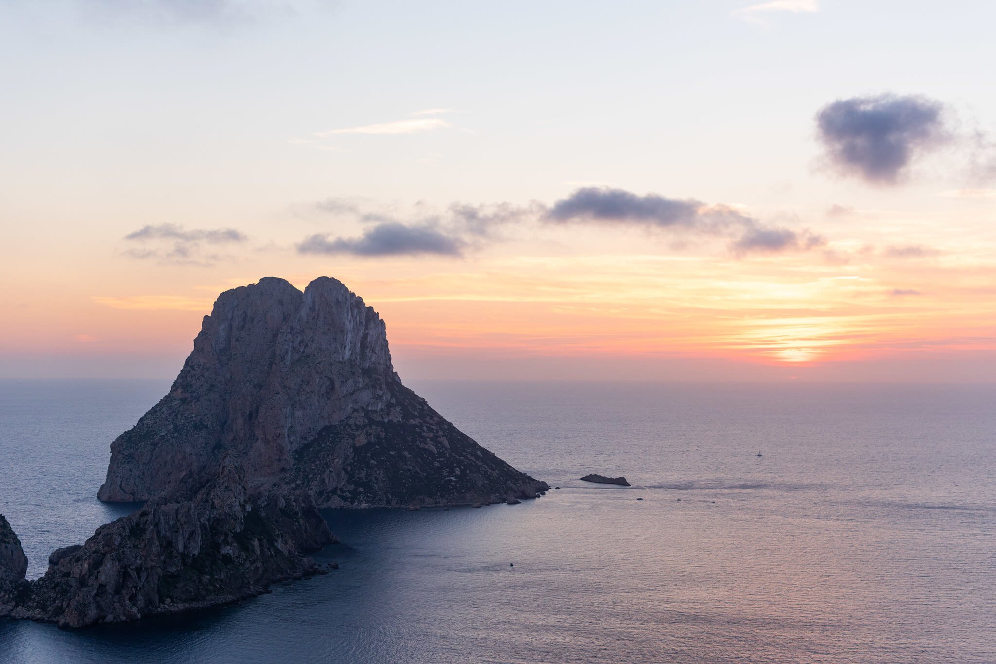 https://www.white-ibiza.com/wp-content/uploads/2020/03/ibiza-guide-areas-south-west-2020-09.jpg