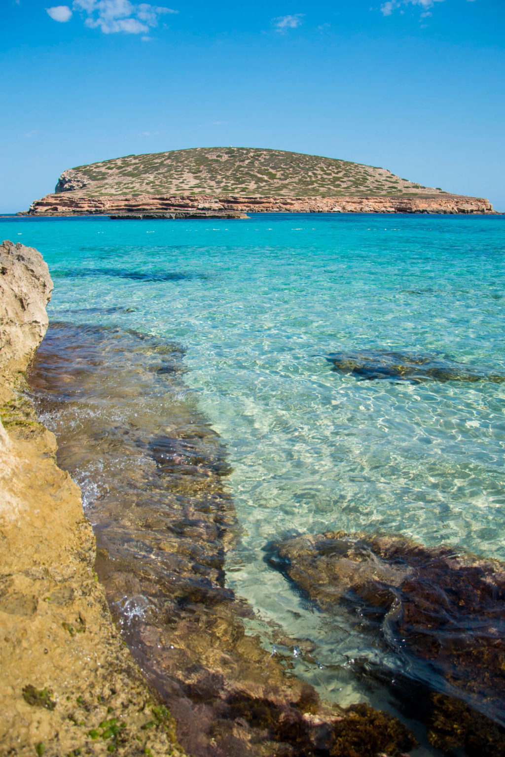 https://www.white-ibiza.com/wp-content/uploads/2020/03/ibiza-guide-areas-south-west-2020-10-1024x1536.jpg