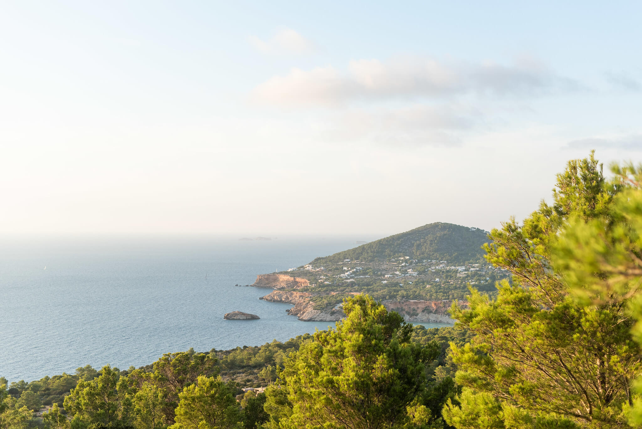 https://www.white-ibiza.com/wp-content/uploads/2020/03/ibiza-guide-areas-south-west-2020-11.jpg