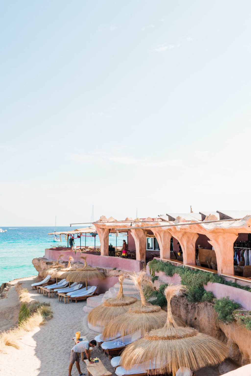 https://www.white-ibiza.com/wp-content/uploads/2020/03/ibiza-guide-areas-south-west-2020-13-1025x1536.jpg