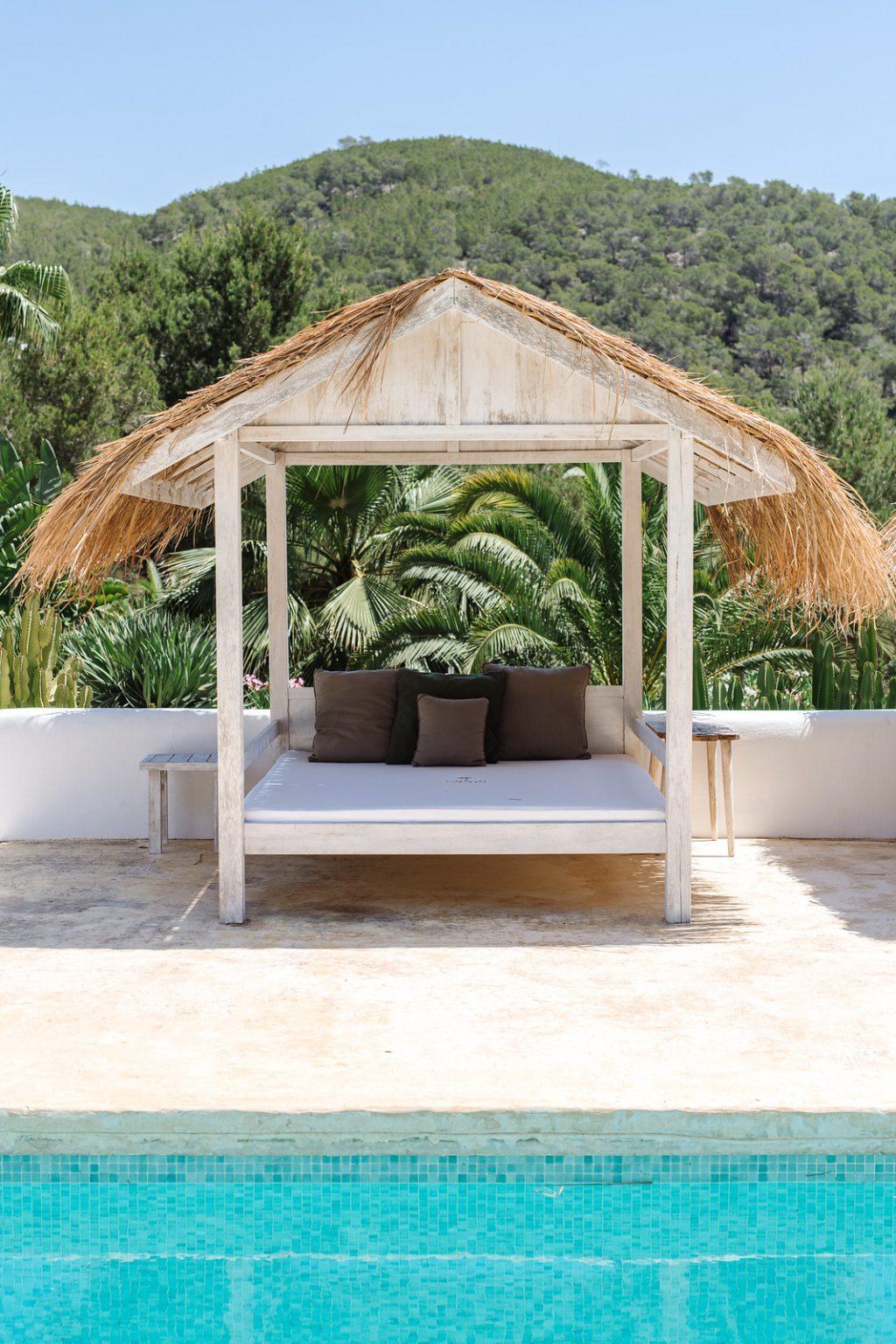 https://www.white-ibiza.com/wp-content/uploads/2020/03/ibiza-hotels-pure-house-ibiza-ana-lui-2021-05-1024x1536.jpg