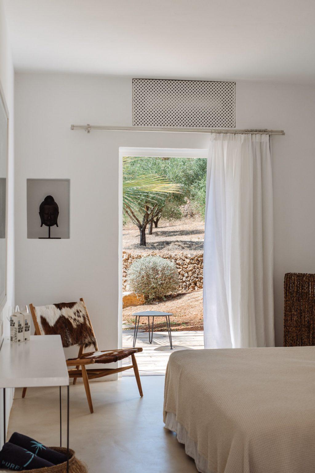 https://www.white-ibiza.com/wp-content/uploads/2020/03/ibiza-hotels-pure-house-ibiza-ana-lui-2021-08-1024x1536.jpg