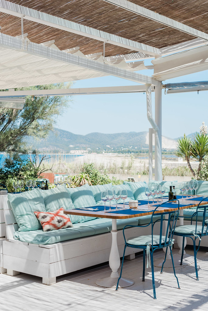 https://www.white-ibiza.com/wp-content/uploads/2020/03/ibiza-restaurants-experimental-beach-ibiza-2019-09.jpg