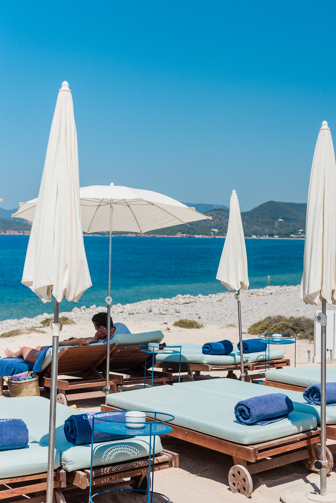 https://www.white-ibiza.com/wp-content/uploads/2020/03/ibiza-restaurants-experimental-beach-ibiza-2019-10.jpg