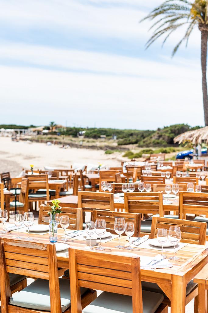 https://www.white-ibiza.com/wp-content/uploads/2020/03/ibiza-restaurants-la-escollera-2018-03.jpg
