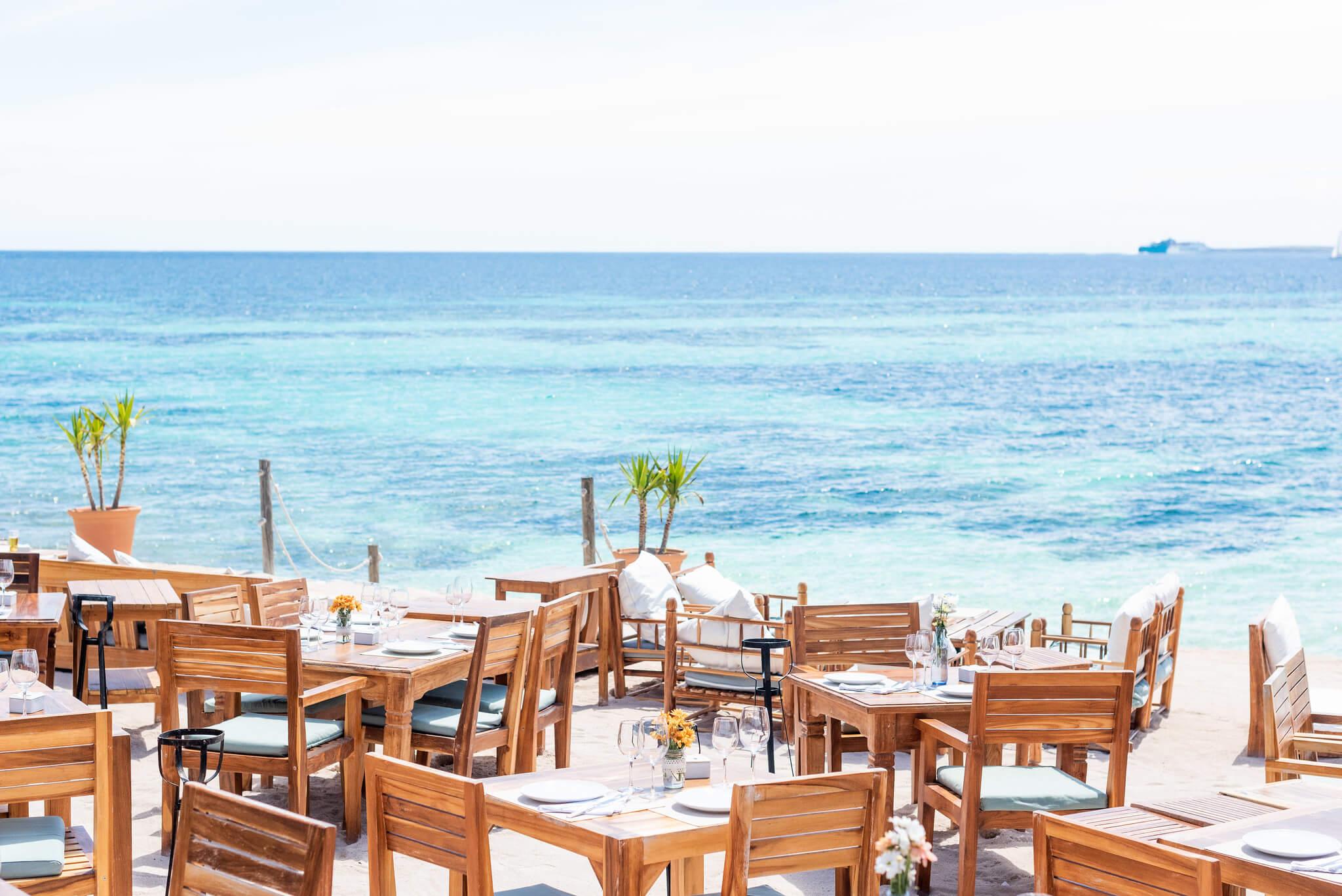 https://www.white-ibiza.com/wp-content/uploads/2020/03/ibiza-restaurants-la-escollera-2018-11.jpg