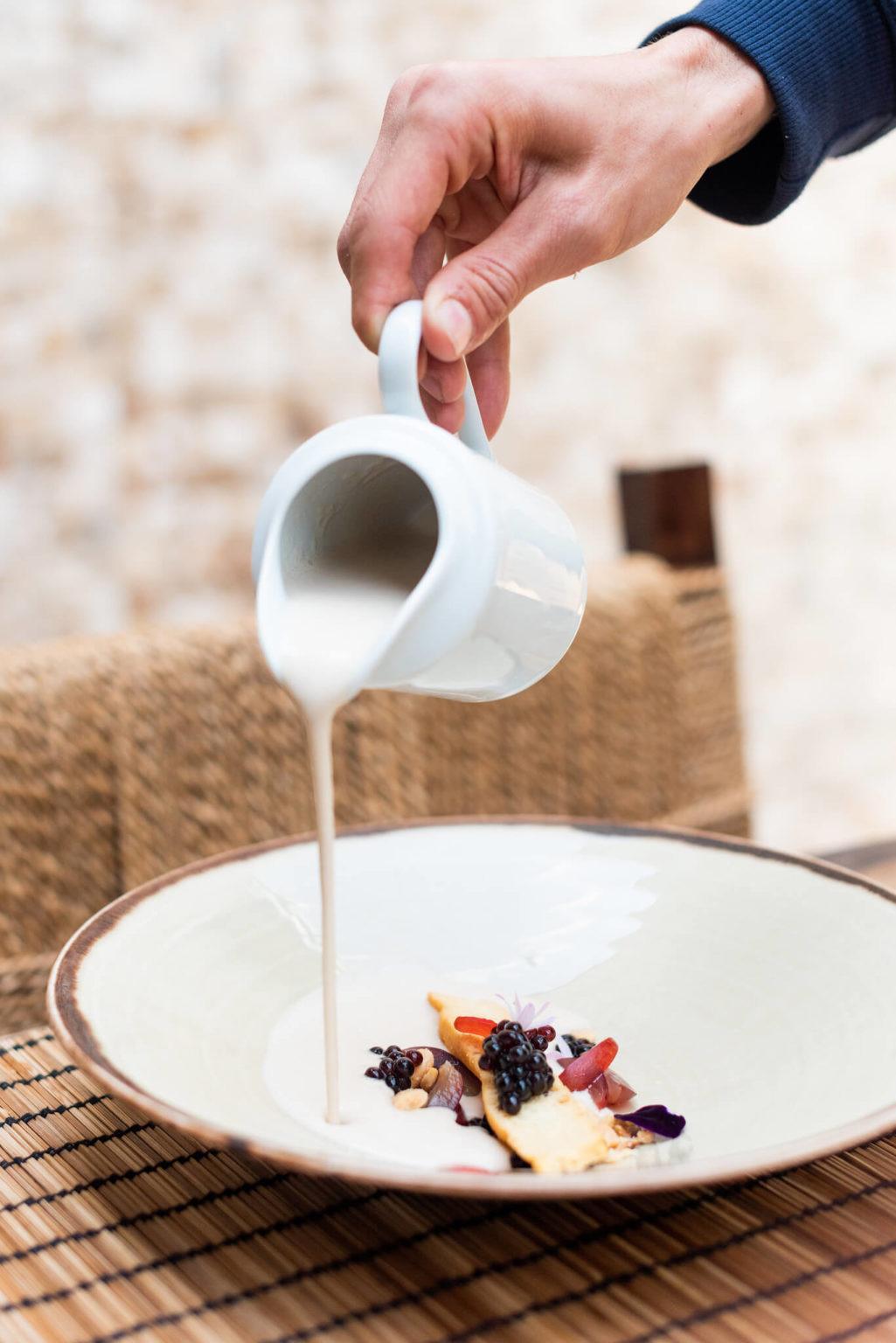 https://www.white-ibiza.com/wp-content/uploads/2020/03/ibiza-restaurants-the-giri-cafe-2020-04-1025x1536.jpg