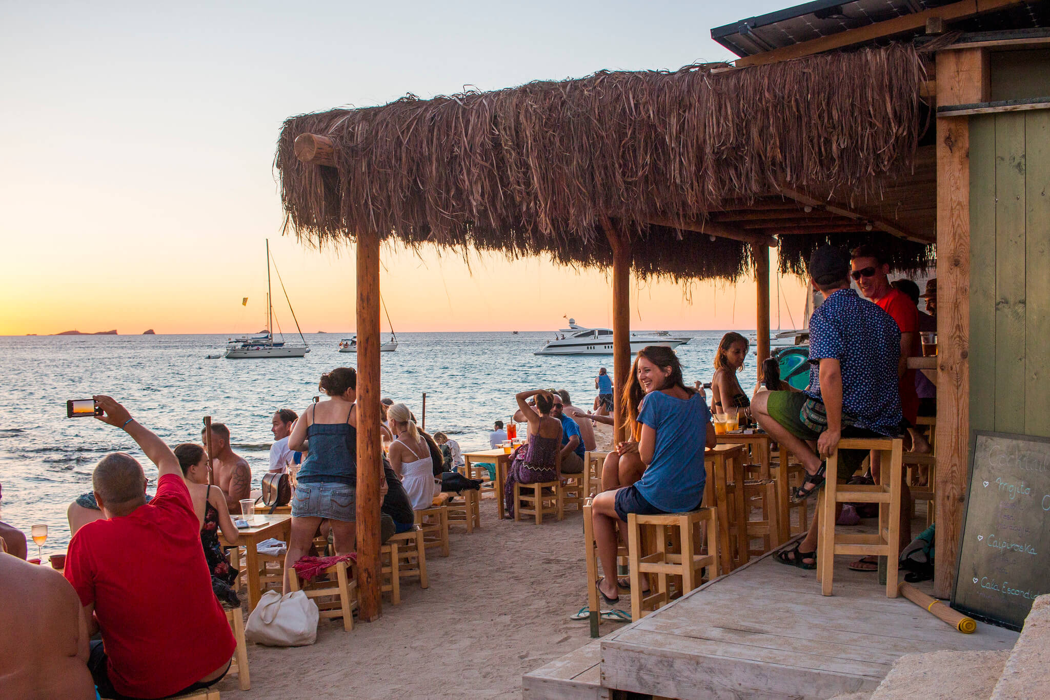 https://www.white-ibiza.com/wp-content/uploads/2020/03/ibiza-sunsets-cala-escondida-02-1.jpg