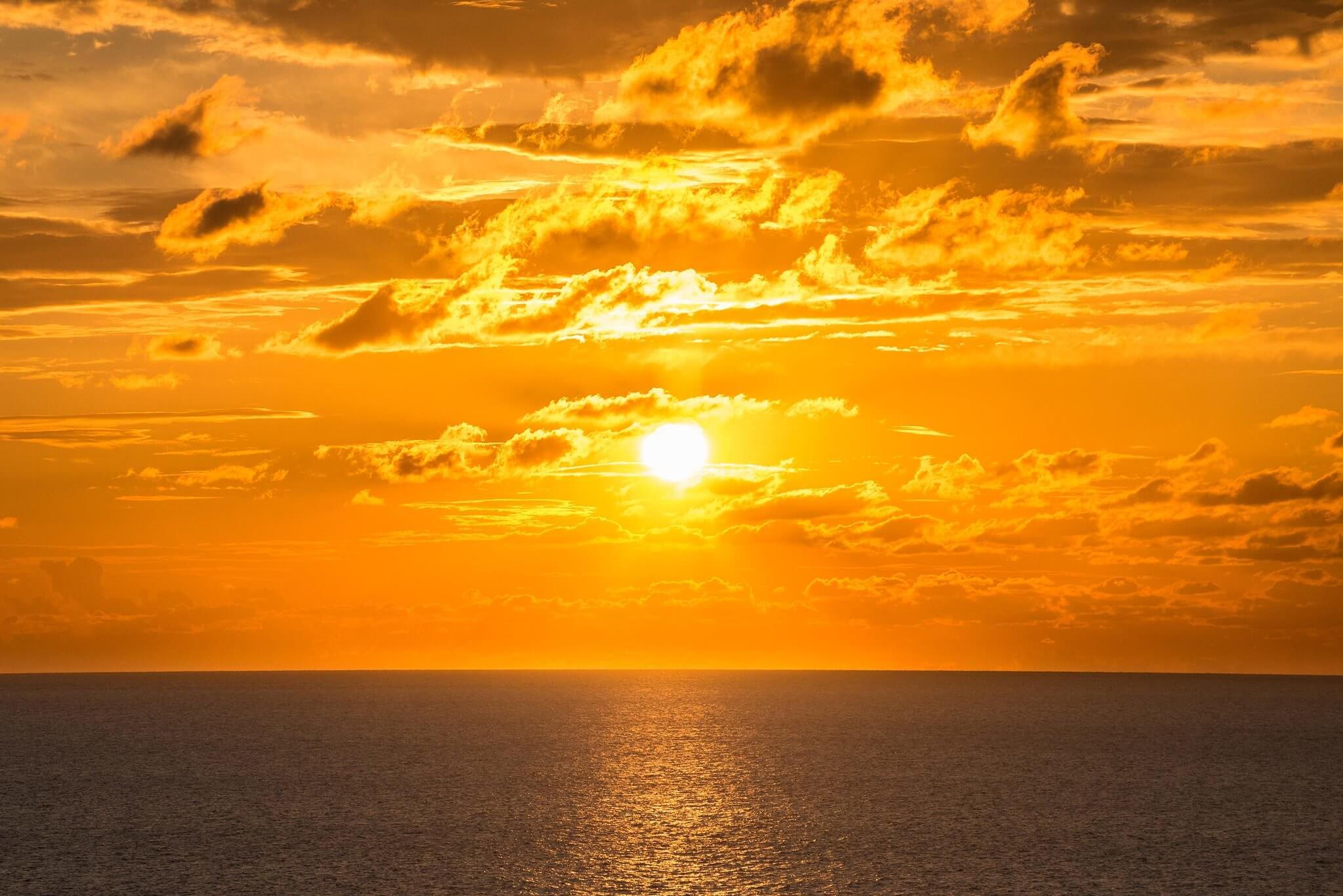 https://www.white-ibiza.com/wp-content/uploads/2020/03/ibiza-sunsets-la-torre-ibiza-2020-01.jpg