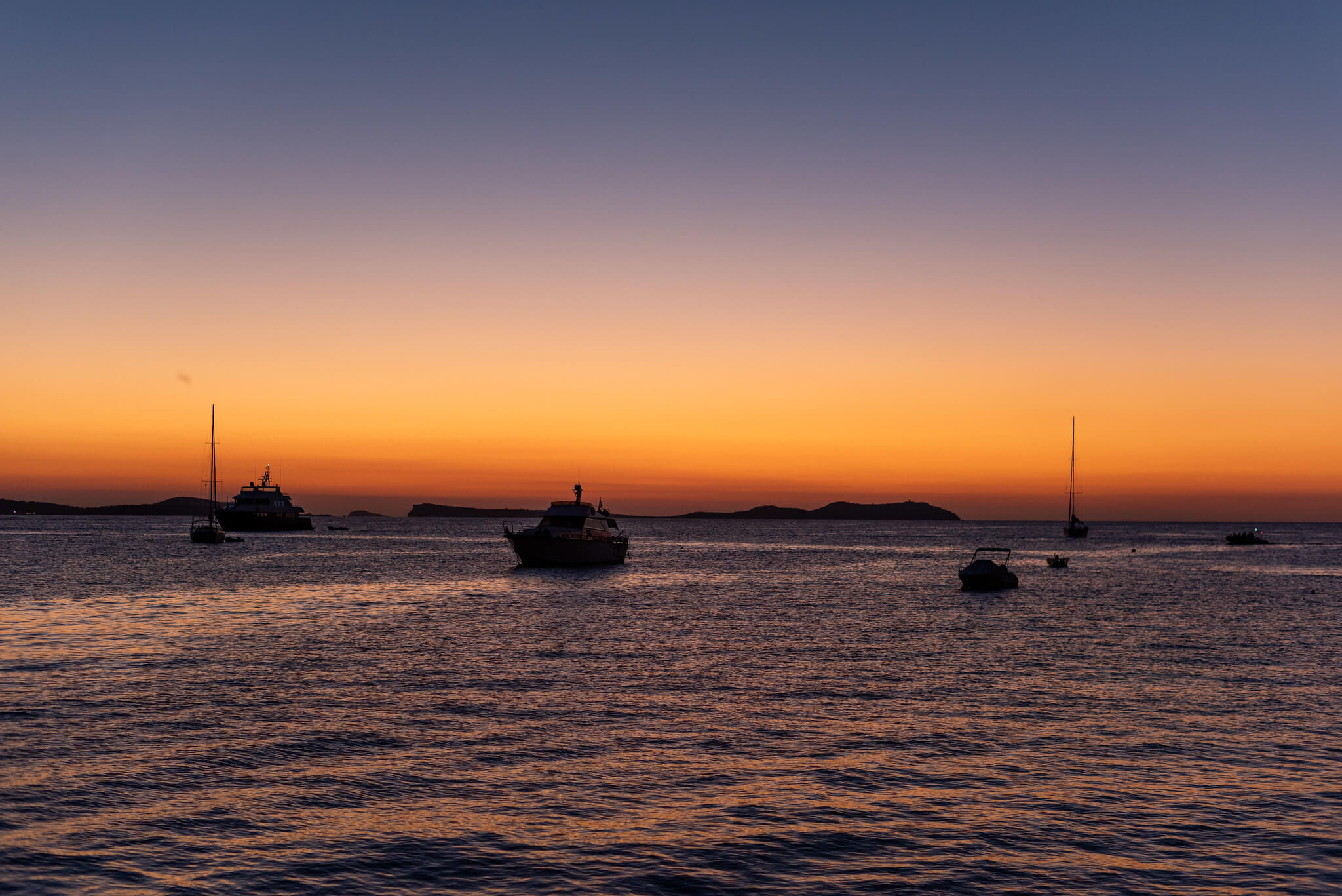 https://www.white-ibiza.com/wp-content/uploads/2020/03/ibiza-sunsets-sunset-strip-2020-03.jpg