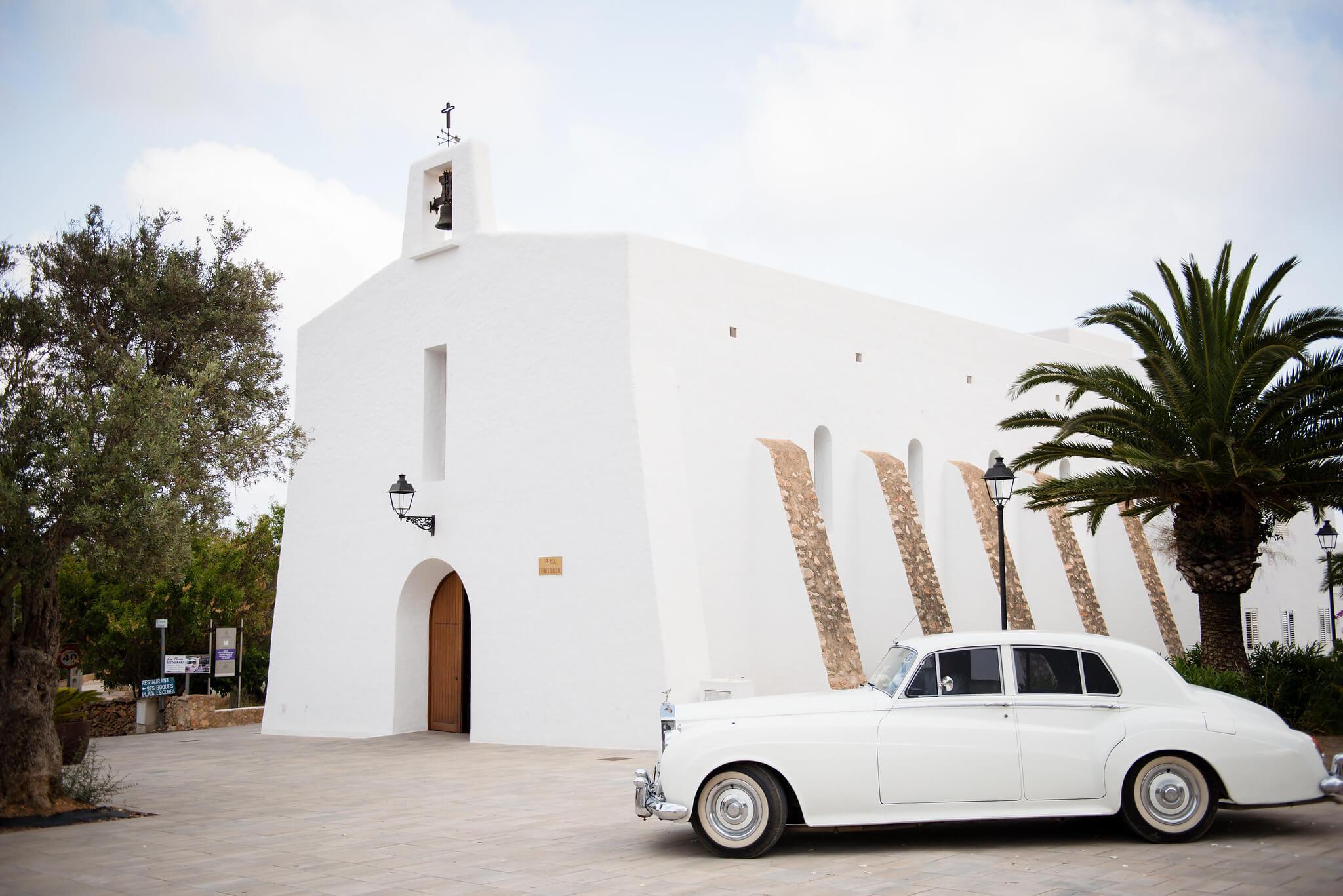 https://www.white-ibiza.com/wp-content/uploads/2020/03/ibiza-wedding-photographer-gypsy-westwood-2020-00.jpg